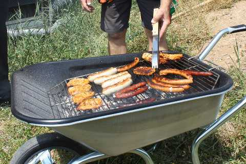 Gros_plan_grille_brouette_barbecue_H-Grill
