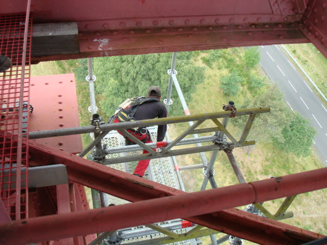 (auteur_de_la_photo:Rilba)_Travaux_de_renovation_du_viaduc_de_Garabit_echafaudage